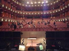 5、舞台から客席を望む.JPG